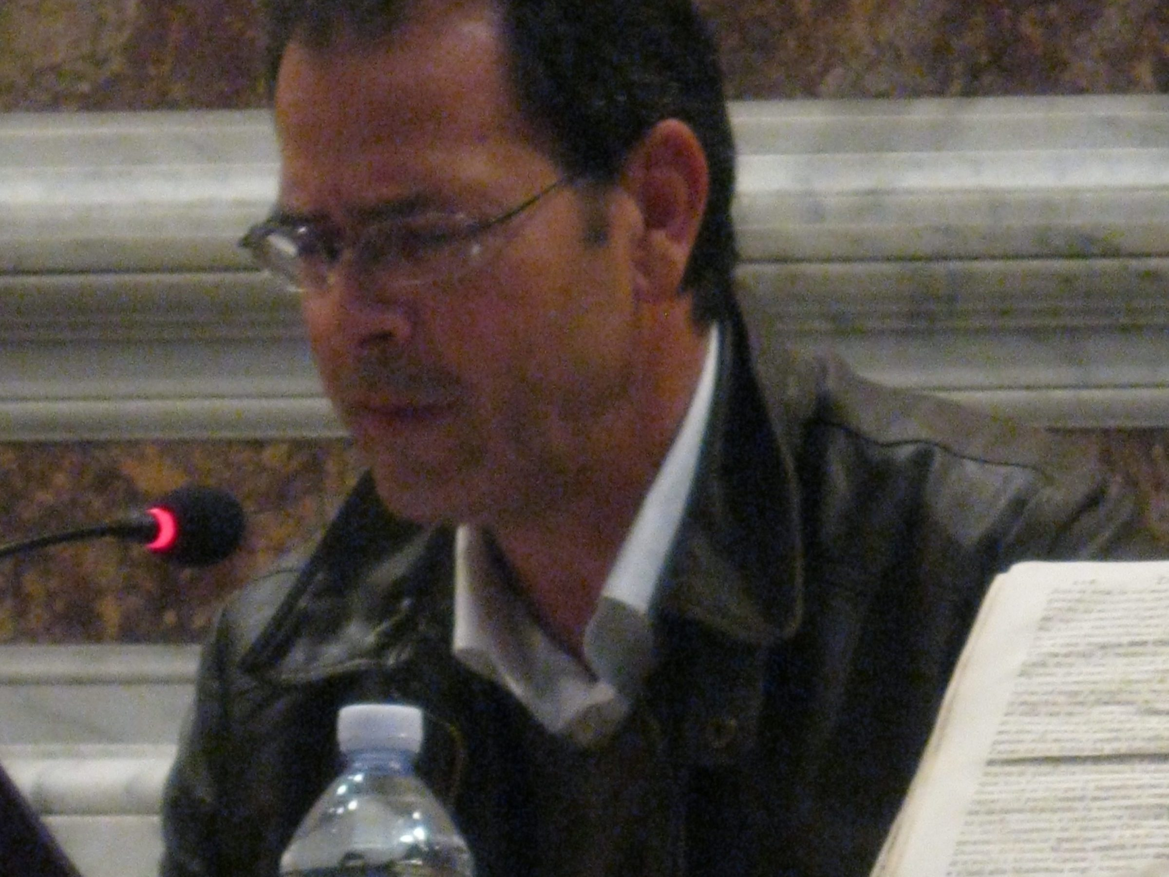 in conferenza